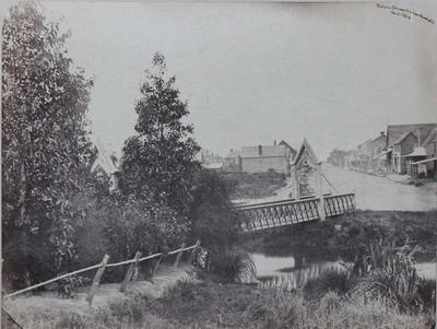 Photograph: Gloucester Street Bridge