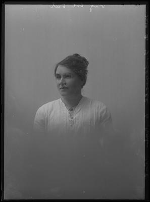 Glass Plate Negative: Mrs R T Searell