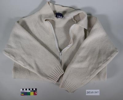 Cardigan: Wool