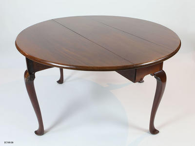 Table, Gateleg: One circular shaped mahogany dinning table; Circa 1840s; ;
