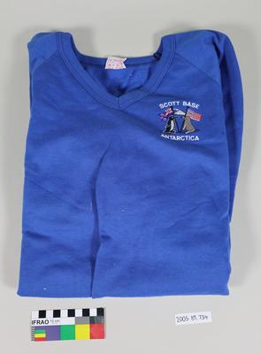 Sweatshirt: Blue