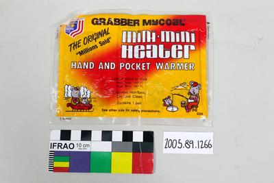 Chemical hand warmer