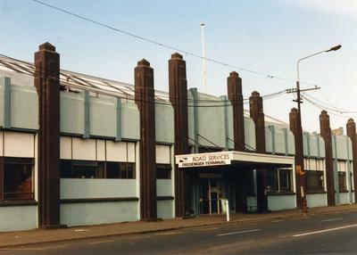 Colour Photograph: New Zealand Road Services Building, Victoria Street, 1985