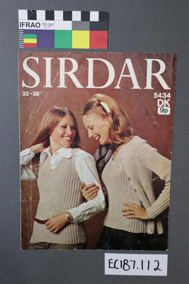 "booklet, knitting pattern: ""Sirdar 32-38"" 5434 DK"