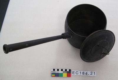 Saucepan and Lid: Wire Handle