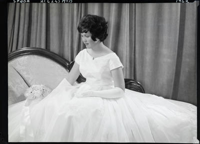 Film negative: Miss Spoor, debutante