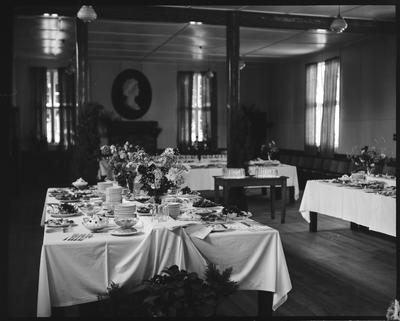 Film negative: Royal Tour, lunch