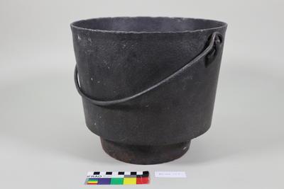Pot: Iron