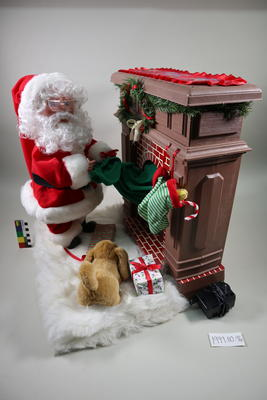 Santa at Fireplace: Automaton
