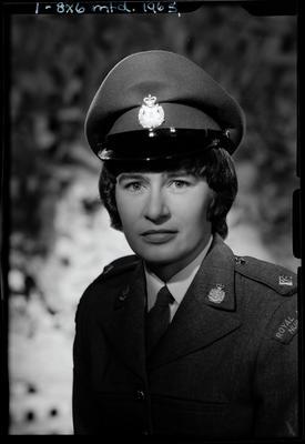 Film negative: Miss Parsons, Army nurse