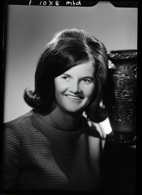 Film negative: Miss Duxon