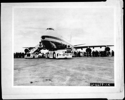 Film negative: International Harvester Company: Jumbo Jet and loader