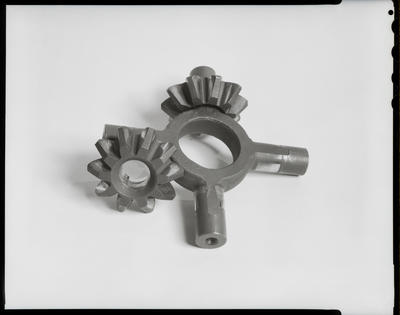 Film negative: International Harvester Company: damaged differential spider gear