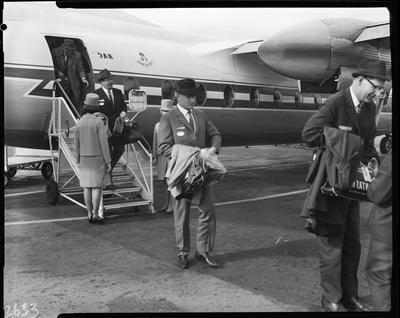 Film negative: Ploughmen arrive