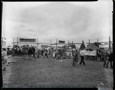Film negative: International Harvester Company: A and P Show, Australian and English visitors