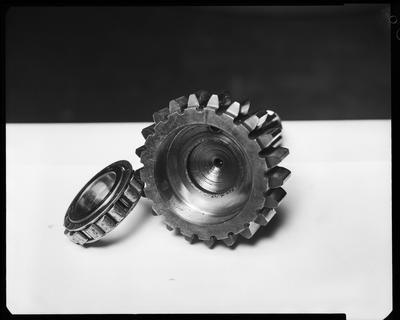 Film negative: International Harvester Company: damaged crankshaft and gears