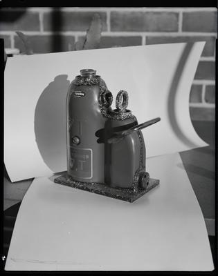 Film negative: International Harvester Company: hydraulic jack