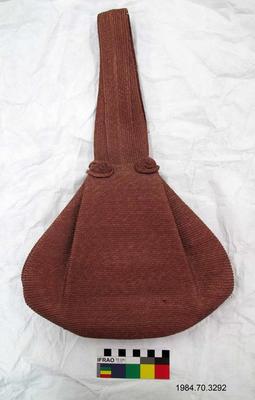 Purse: Woven Bucket Shape