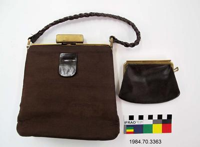 Purse: Brown Ribbed