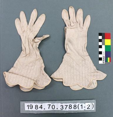 Gloves: Rayon