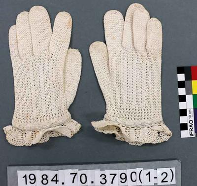 Gloves: White Crochet; 1937; 1984.70.3790
