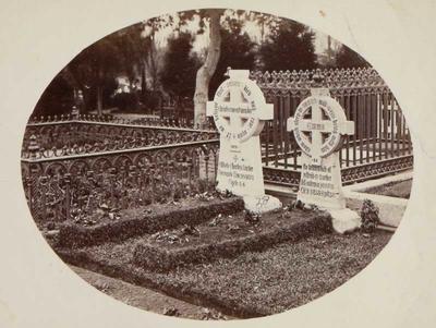 Photograph: Graves