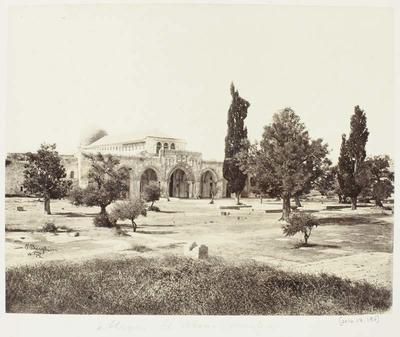 Photograph: Temple's Front Garden