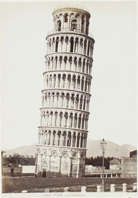 Photograph: Leaning Tower of Pisa, Italy