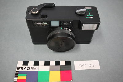 Camera: Chinon Flash II