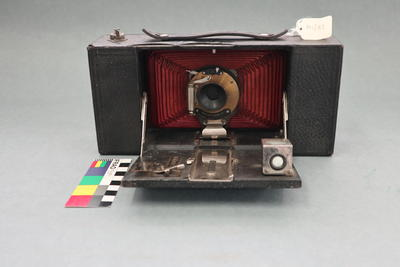 Camera: No.3A Folding Brownie