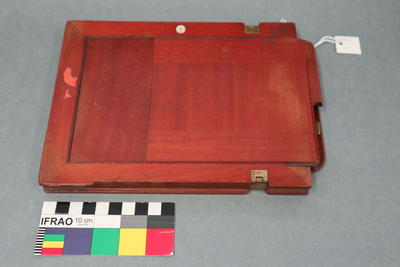 Glass Plate Holder: Wooden