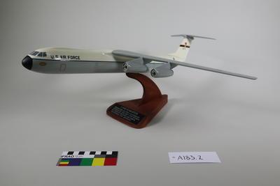 Model Aeroplane: Starlifter