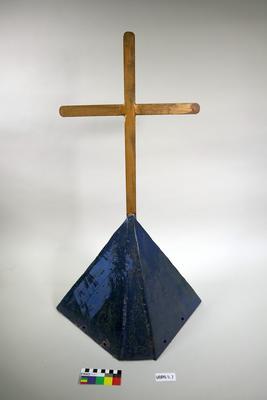 Cross: Mounted