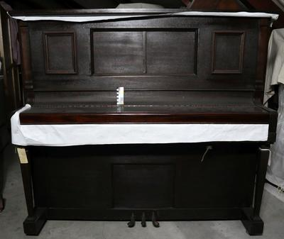 Piano: Wooden