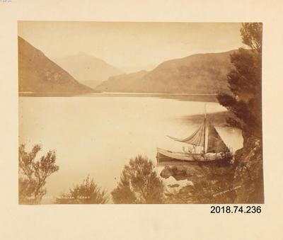 Photograph: Lake Wanaka East