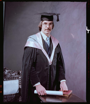 Negative: Mr Applehof Graduate