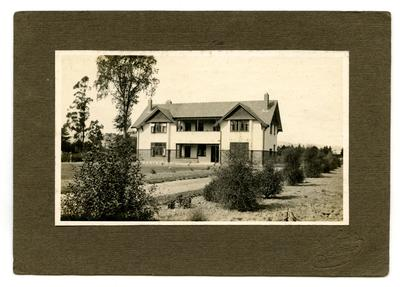 Photograph, Black and White: The Lovell-Smith home 'Midway' c 1921