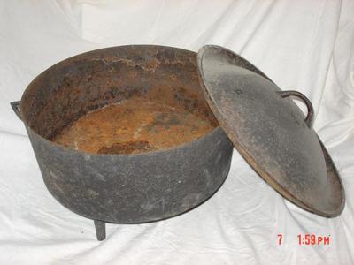 Lidded Pot: Iron