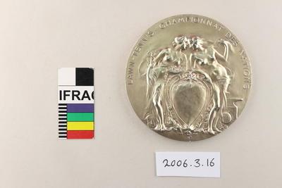 Medal: Royaume de Belgique Exposition Universelle de Bruxelles 1910 - Lawn-Tennis Championnat des Nations