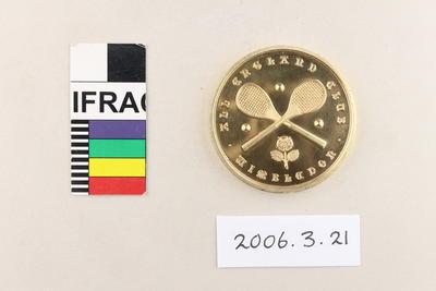 Medal: All England [Lawn Tennis and Croquet] Club Wimbledon Singles Champion 1913; 1913; 2006.3.21
