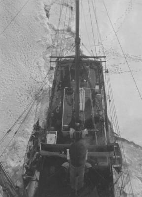 Photograph: Stern from Crows Nest