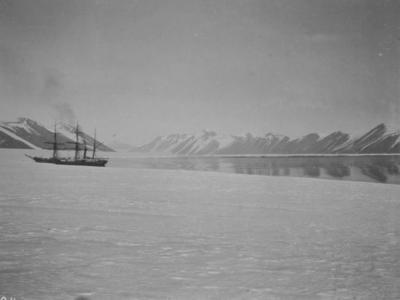 Photograph: Terra Nova at Piedmont Glacier