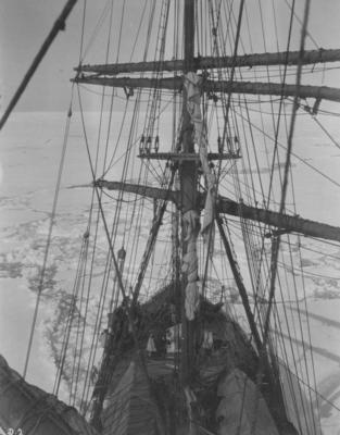 Photograph: Terra Nova's Foremast and Foredeck
