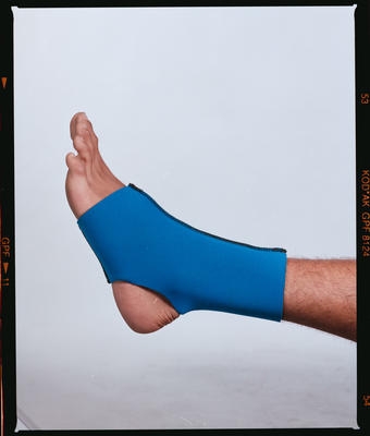 Negative: Canterbury Wetsuits Foot Support