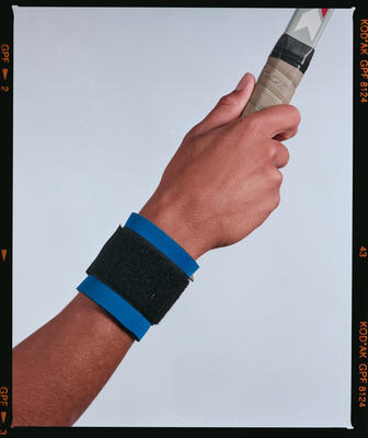 Negative: Canterbury Wetsuits Wrist Support