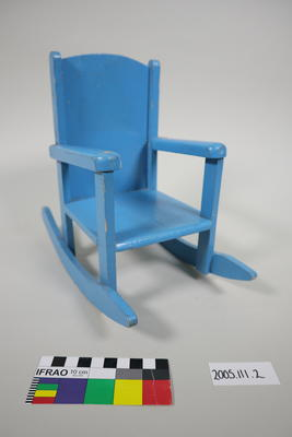 Rocking Chair: Marionette